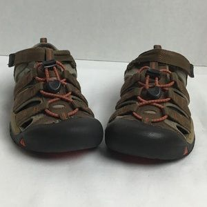 Keen youth brown outdoor trail sandals. 3